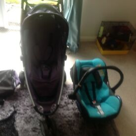 Quinn's Zapp buggy and Maxi Cosi car seat