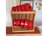 Le Creuset - Set of 5 Saucepans + Display Stand