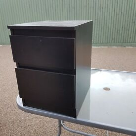House Clearance - pair of bedside tables £10 each or both for £15