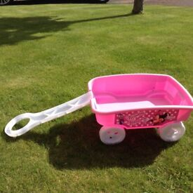 Pull along wagon for kids - Pink