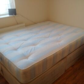 COOL DOUBLE ROOM AVAILABLE 2 MINUTES FROM NEASDEN STATION - NW10 1PX