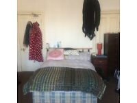 Lovely double room in Morningside 4 bed flat