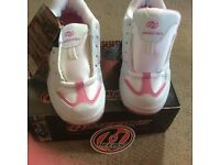 Heelys skate shoes size3