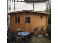 Luxury log cabin with en suite bathroom