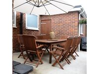 Hardwood Extendable Table with 8 armchairs