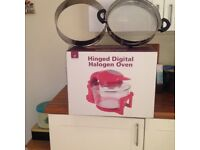 Red Andrew James Halogen Oven with hinged lid