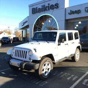 2015 Jeep Wrangler Unlimited Sahara | 4X4 | NAV | UCONNECT |
