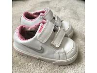 Girls Nike trainers size 4 infant
