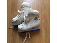 Beautiful girls' practice figure skates size 28 / UK 10 nearly new