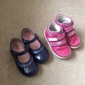 Girls shoes £5