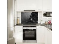 Glass splash back for cooler hobs
