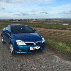 Lovely Convertible Vauxhall Tigra - low mileage. Just serviced. Bluetooth connectivity
