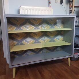 Retro/vintage cabinet