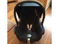Maxi Cosi Cabriofix car seat with extras