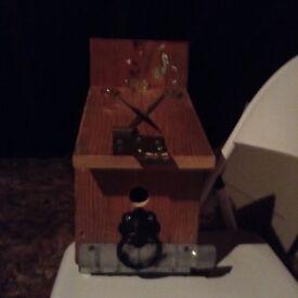 Novelty bird boxes