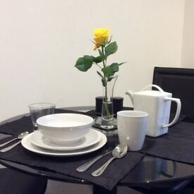 Fully furnished 2bed ensuite apartment with parking