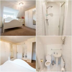 Beautiful double room with separate bathroom!