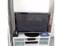 TV INCLUDING TV STAND