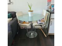 Glass Round Table with 4 off-white chairs