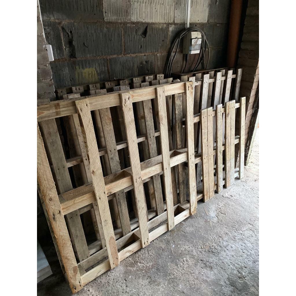 6 x mixed size wooden pallets - fire wood - log burner ...