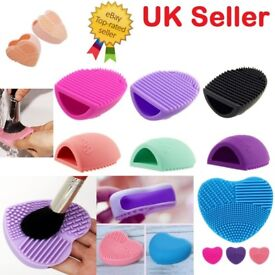 Only 1.50 MAKEUP BRUSH CLEANER Heart Glove Scrubber Cosmetic Cleaning Silicone Foundation