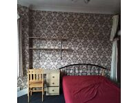 To rent a double bedroom in parkstone in Poole