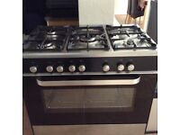 Kenwood dual fuel range cooker. Free standing 5 ring gas hob with a large fan assisted oven.