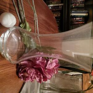 Glass vases, bouquet and buds $2-10