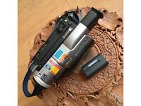 Sony Handycam DCR-TRV310E - camcorder - Hi8, Video8, Digital8