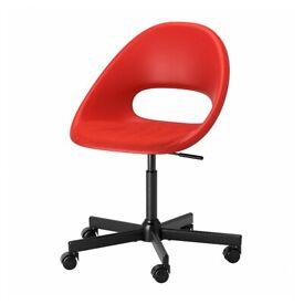 Red rotating rolling office chair LOBERGET / BLYSKÄR