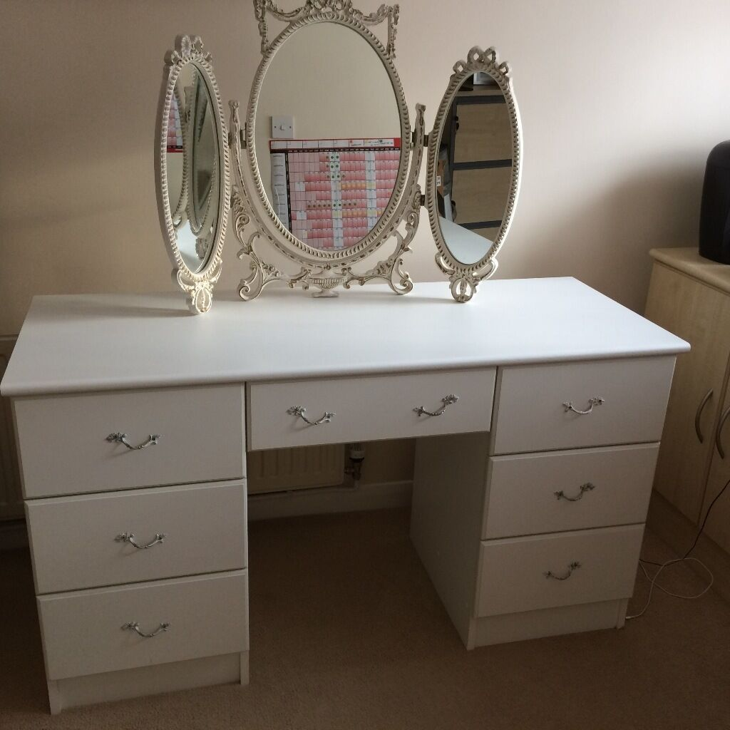 Dressing Table White Melamine With Free Standing Mirror