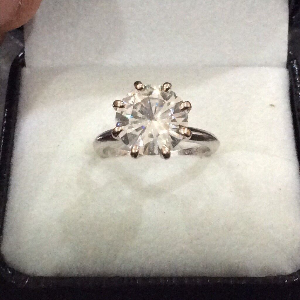 diamond solitaire 3 8ct set in white gold platinum absolutely