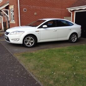 Ford Mondeo 2.0 Sport 5 Dr Hatch 2011 White Mileage only 35000