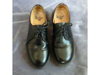Dr Marten shoes size 4