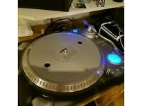 Numark TTX-1 Turntable Pair