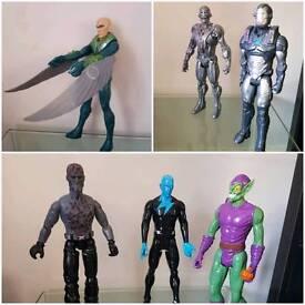 6 Toys figures