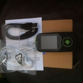 MP3 PLAYER 8GIG NEW AND BOXED WITH ACCESORIES