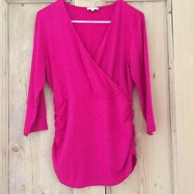 KETTLEWELL RUCHED CROSSOVER 3/4 SLEEVE TOP - FUCHSIA - L - NEVER WORN - RRP £42