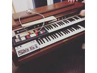 1975-1977 Super Dolphin Premier Deluxe Hammond Organ (9922k) with polysynth