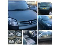 Peugeot Partner combi Van Escapade 2.0 HDI 2004 Diesel Green Front bumper all parts available