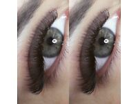 Classic and volume eyelashes extension
