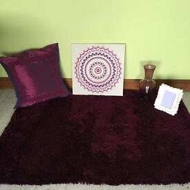 Thick plum rug, canvas, large vase , large cushion and more