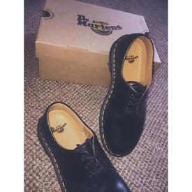 Dr Martens 1461 Shoes (Smooth Black) SIZE 5