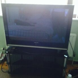 samsung tv dvd combi. samsung tv 32 inch and stand - £150 tv dvd combi