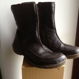 HOBO BOOTS size 5, dark brown
