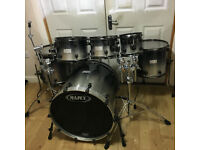 6 Piece Mapex Saturn Drum Kit - Brand New Evans G2 Heads