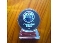 Edmonton Oilers (ice)hockey puck