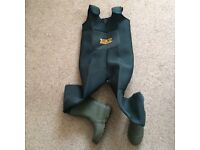 Neoprene chest waders boot size 7