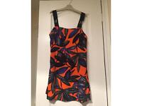 Dorothy Perkins top size 8 never worn