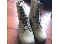 Magnum Amazon 5 boots